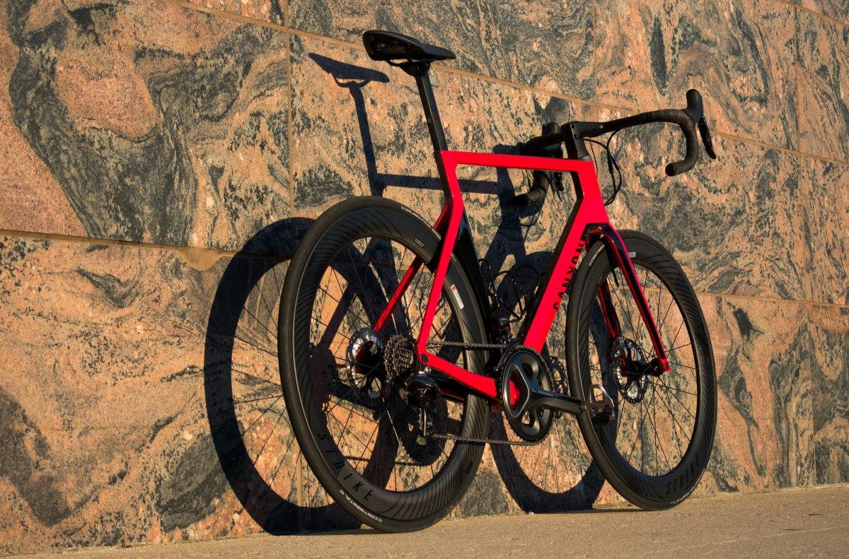 从倒卖自行车零件的小贩,到欧洲最大的自行车制造商之一:Canyon Bicycles 成长简史