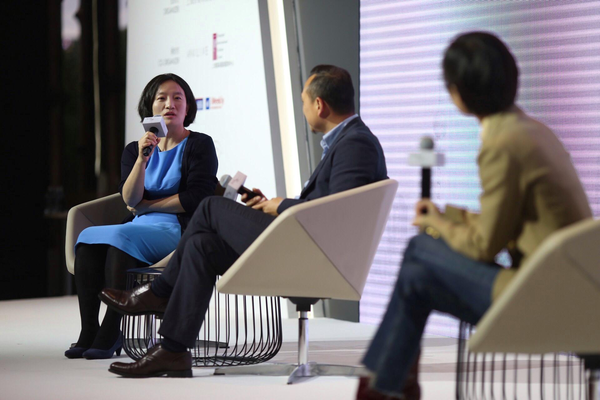 华丽志@上海时装周:创始人余燕出席 SIFS 中美论国际时尚论坛、百联集团 FOB 时尚设计师产业论坛