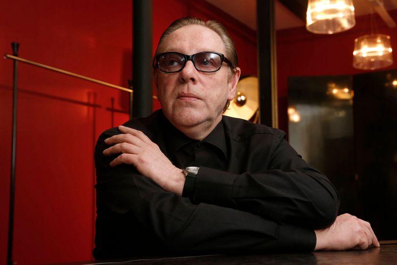 """""""绷带裙""""鼻祖、Hervé Léger 品牌创始人、法国著名设计师 Hervé L. Leroux 去世"""