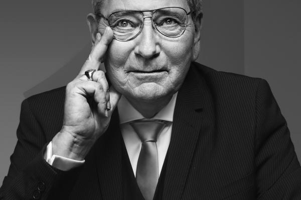 传奇制表大师、瑞士奢华手表品牌 Roger Dubuis 同名联合创始人去世,享年 79岁