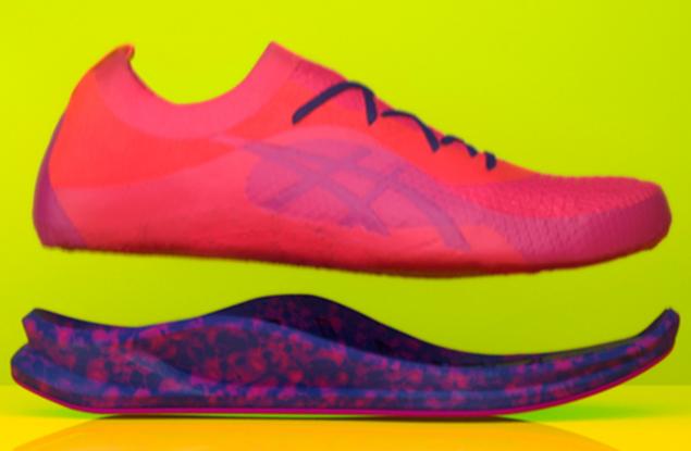 日本运动服饰品牌Asics 将微波技术应用于定制跑鞋服务,15秒制成彩色鞋底