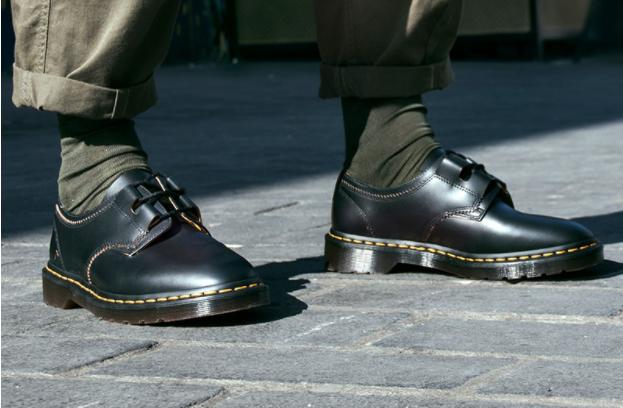 东亚与电商业务表现优异,英国鞋履品牌 Dr.Martens 上财年销售大涨 25%