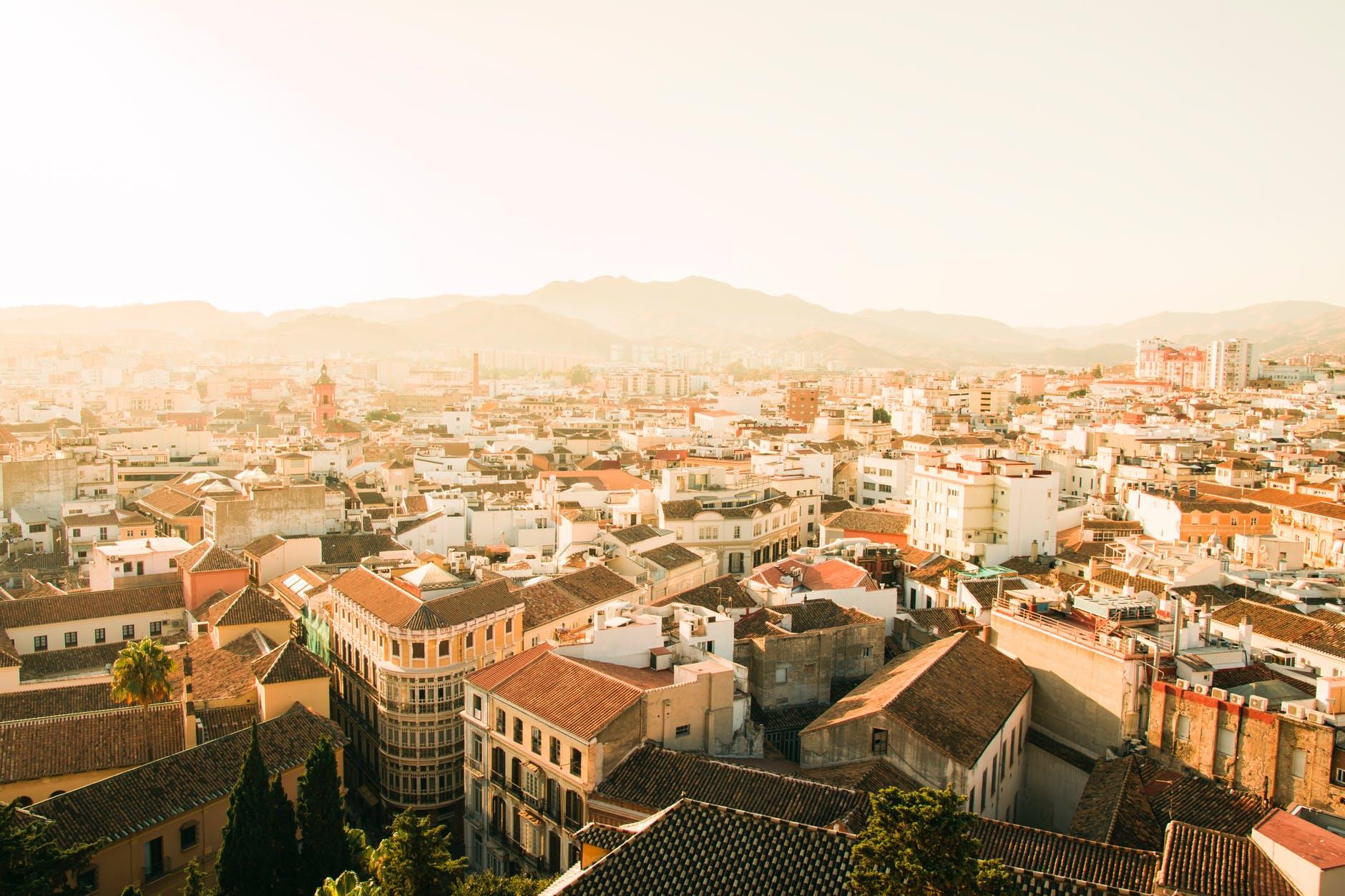 西班牙政府着手备用方案,以确保脱欧后英国游客能继续入境