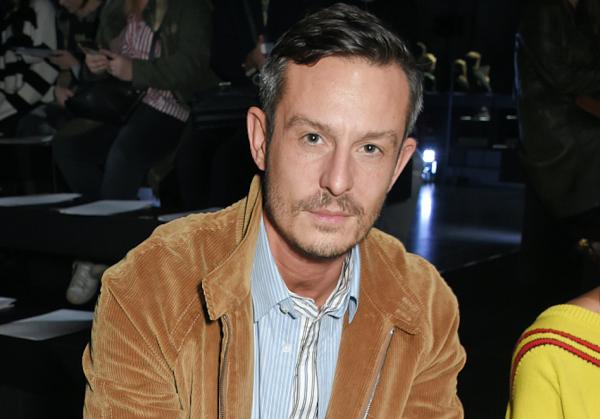 Jonathan Saunders 卸任美国著名设计师品牌 DVF 首席创意官一职,继任者最快一个月内确定