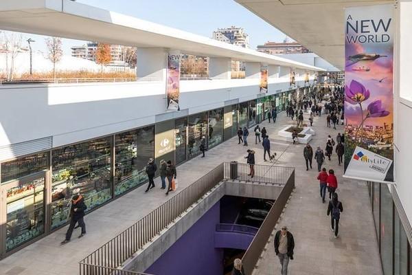 米兰购物新体验,一站式商业中心 CityLife 开业不到 1个月迎客超 100万人次