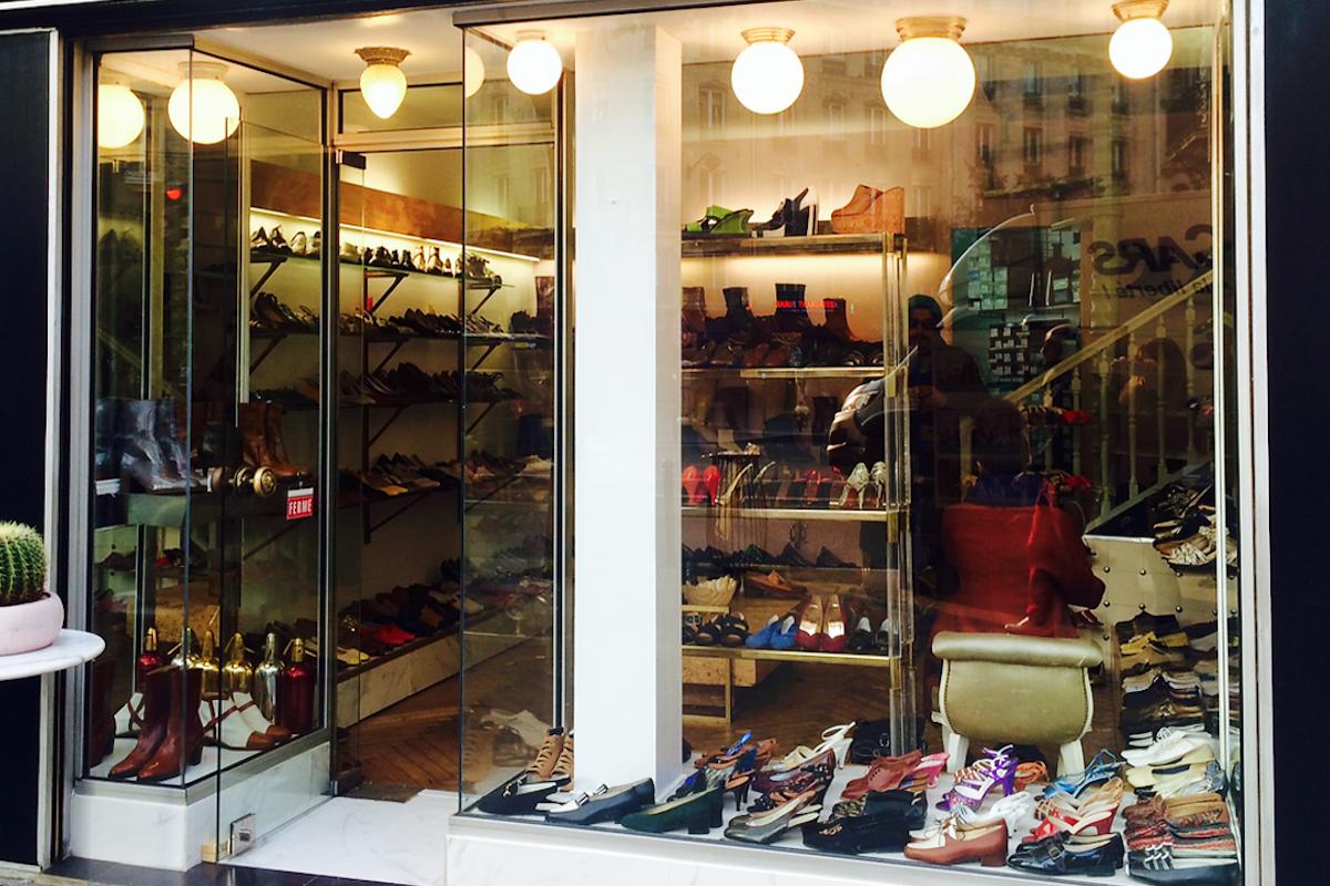 只卖全新古董二手鞋,巴黎这家小小的精品店成了众多奢侈鞋履设计师的灵感来源