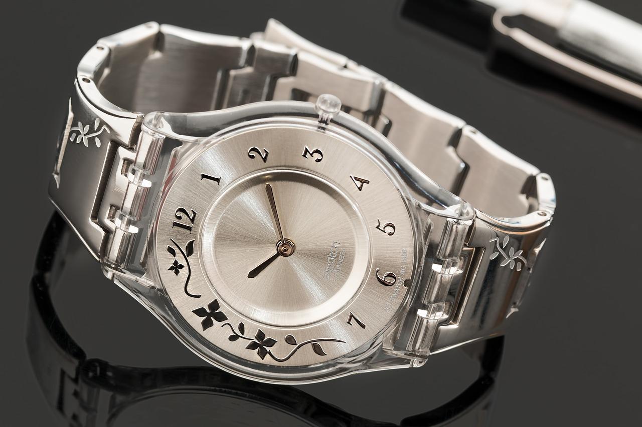 """手表巨头获利,中低端品牌遭殃?政府收紧""""瑞士制造""""标准引来重重争议"""