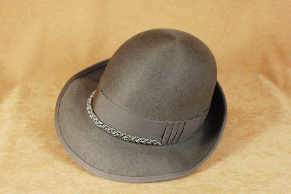 帽子重返时尚 杰尼亚收购制帽商 Cappellificio Cervo