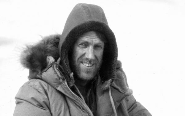 全球首位登顶珠峰的登山家 Edmund Hillary 爵士的儿子创办父亲同名户外男装品牌