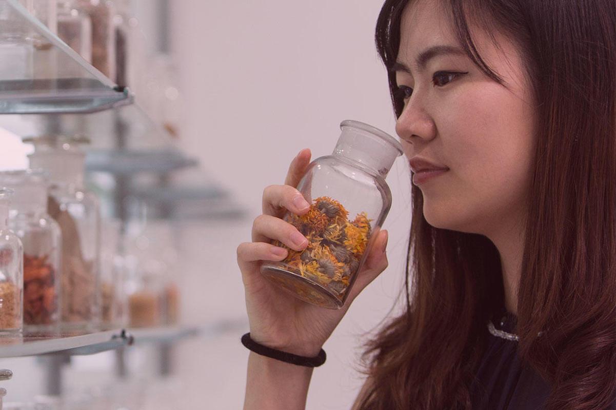 瑞士香水原料供应商Givaudan 加大投资旗下活性美容部门,推进皮肤微生物菌群研究
