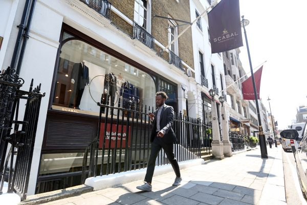"""伦敦高级男装定制一条街 Savile Row 启动翻新工程:维护""""男装定制圣地""""的地位"""