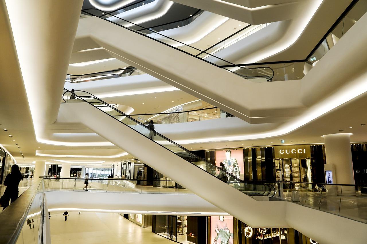 既慷慨,又抠门?路透社总结的中国新一代奢侈品消费者三大特点