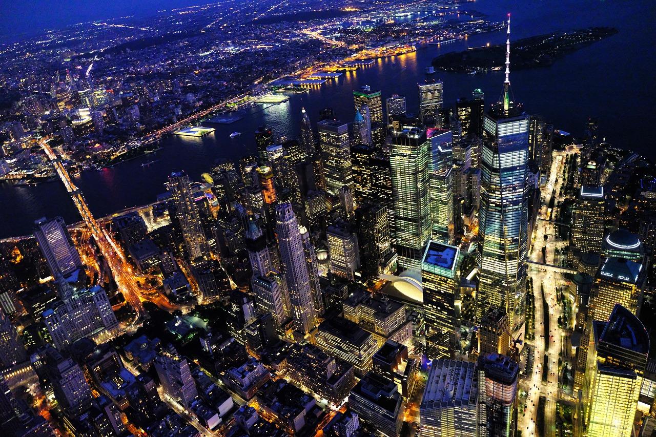 租金飞涨,电商冲击,纽约曼哈顿大量小商家被迫关店