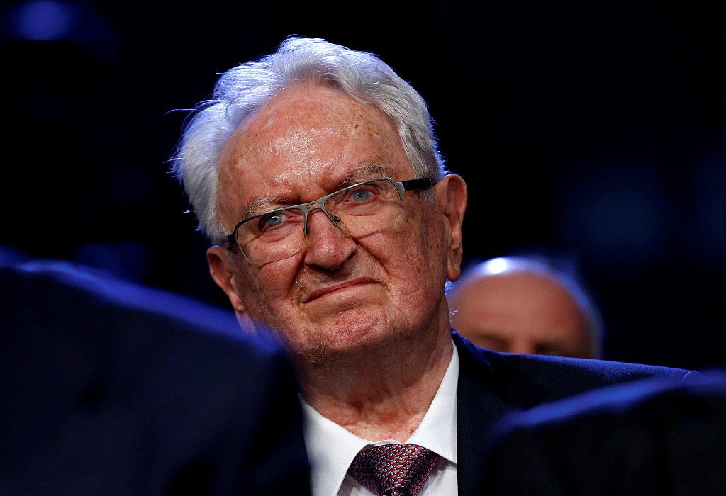 从工厂学徒到CEO:瑞士雀巢公司功勋元老 Helmut Maucher 去世,享年90岁
