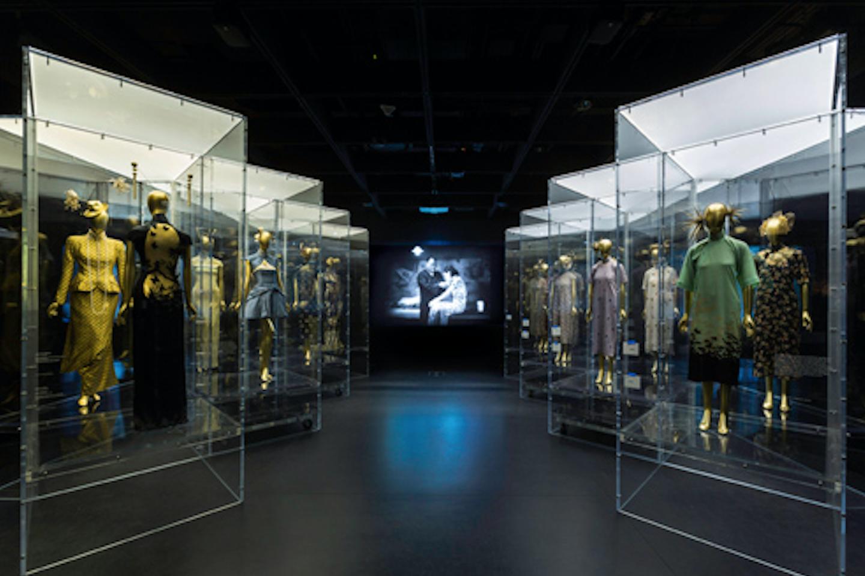 中国年轻女投资人余晚晚为大都会时装博物馆设立捐赠基金