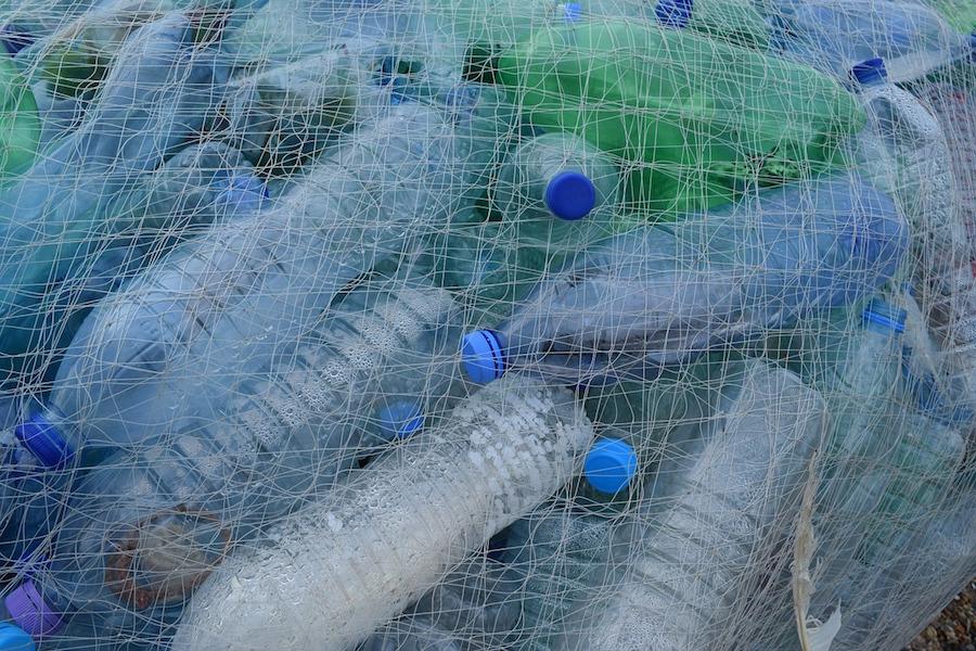 英国老牌高端百货 Selfridges 宣布禁止销售一次性塑料瓶装碳酸饮料