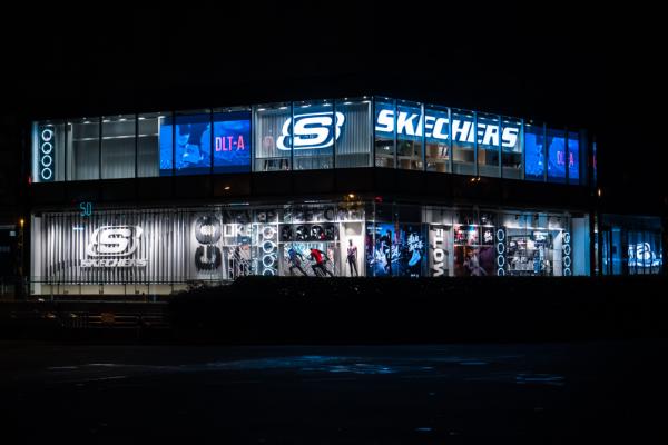 美国休闲运动品牌 Skechers:去年中国卖了100亿,今年要卖150亿!