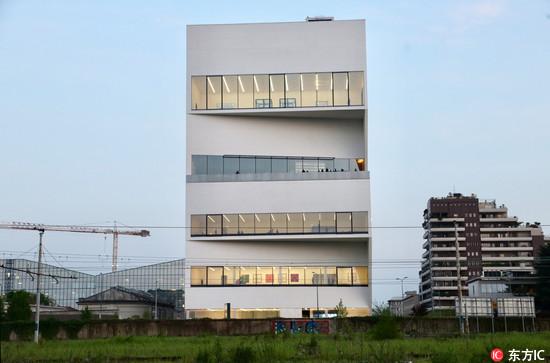 将艺术与米兰城景融合,Prada基金会在总部大楼开设Torre 餐厅