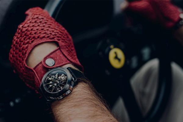 宝格丽联手顶级超跑俱乐部 SOC,为后者会员推出专属限量版手表