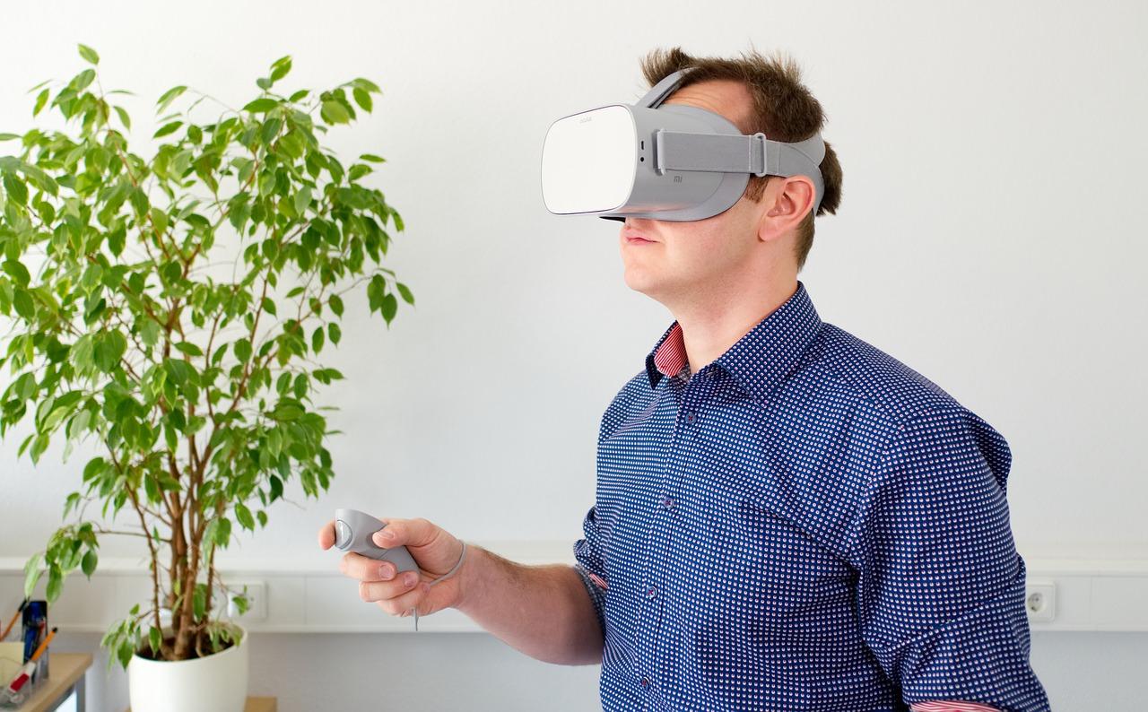 最新报告称:增强现实(AR)技术对零售商大有好处,但更多是效率工具,而非线下引流手段