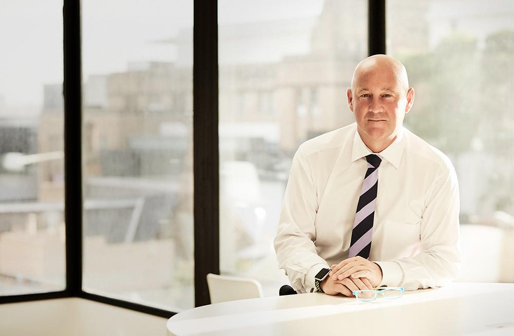 """""""让更多年轻人认识羊毛的价值""""《华丽志》专访 The Woolmark Company 董事总经理 Stuart McCullough"""