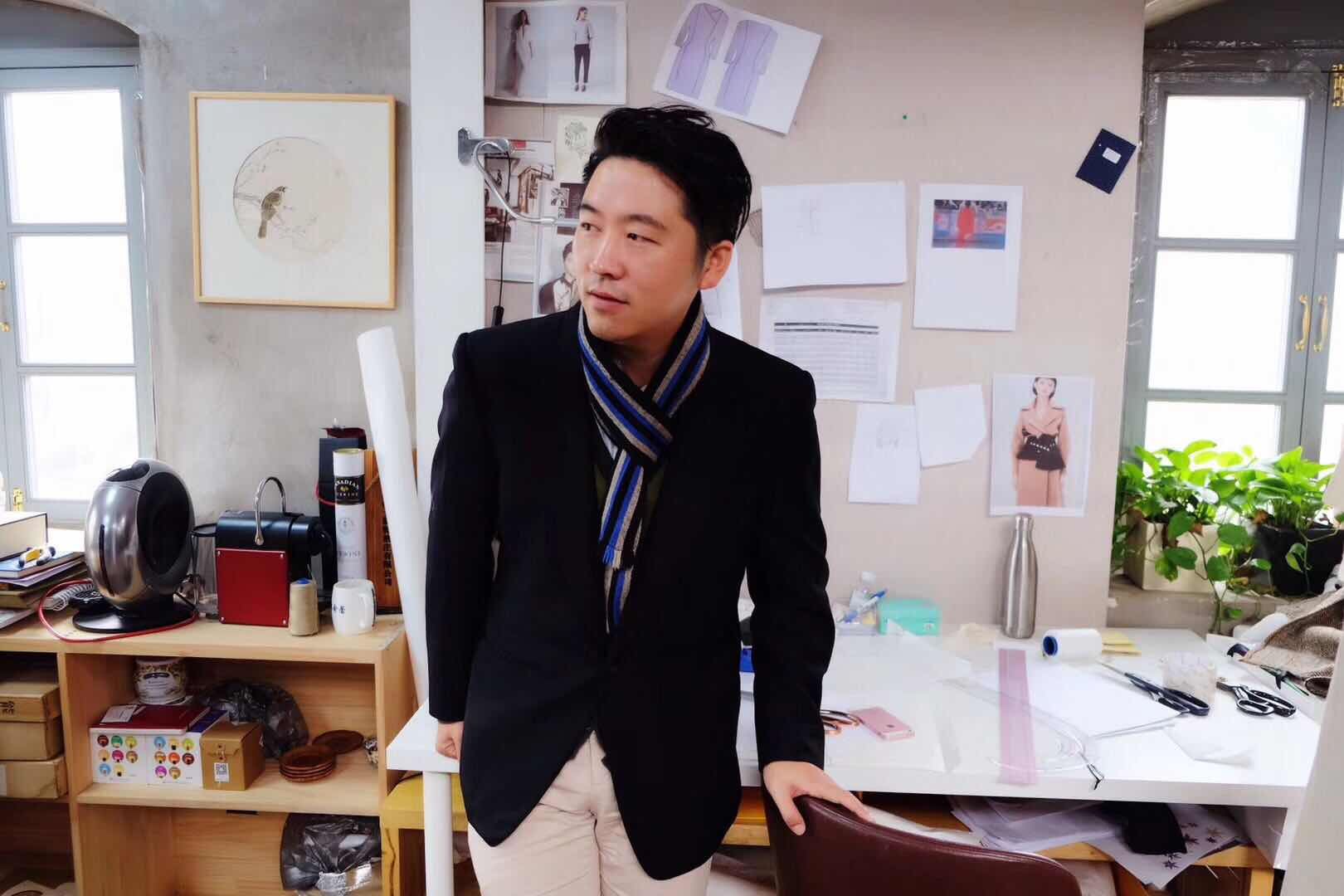 首发   中国设计品牌彼伏获启赋资本千万级投资,《华丽志》独家专访品牌创始人陈兴及投资人常欣