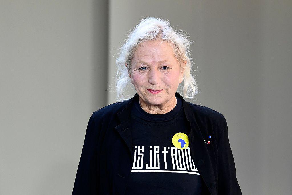 年逾古稀依然干劲十足!法国时尚设计大师 Agnès b. 要开更大的画廊、还要办网络电台