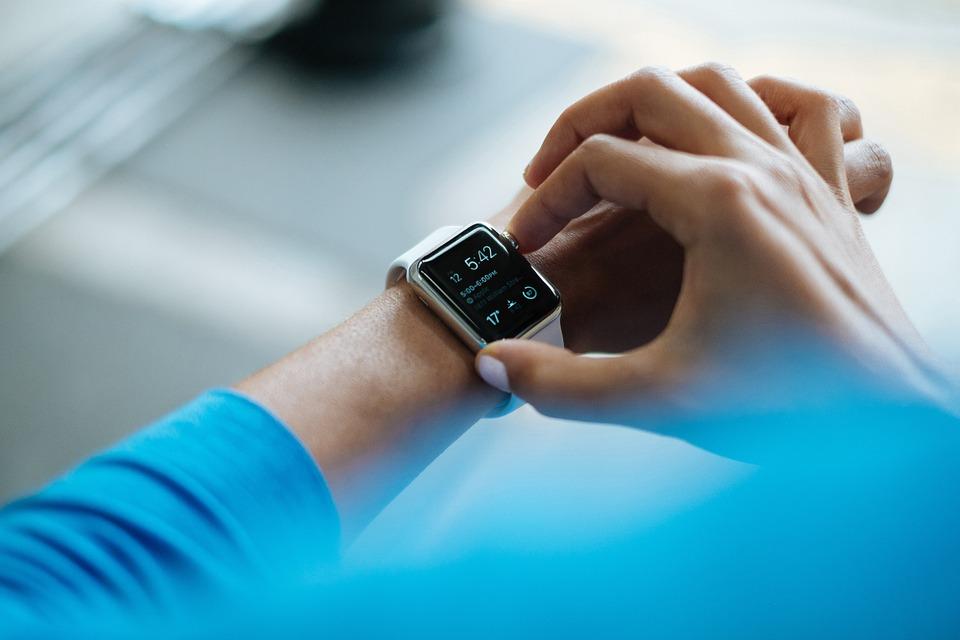 IDC最新全球可穿戴设备报告:健身健康依然是核心诉求,智能鞋服和可穿戴音频设备热度上升