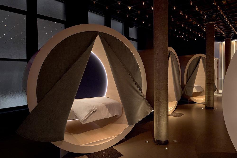 让午睡成为一件时尚的事!互联网床垫品牌 Casper 推出线下睡眠体验概念店 The Dreamery