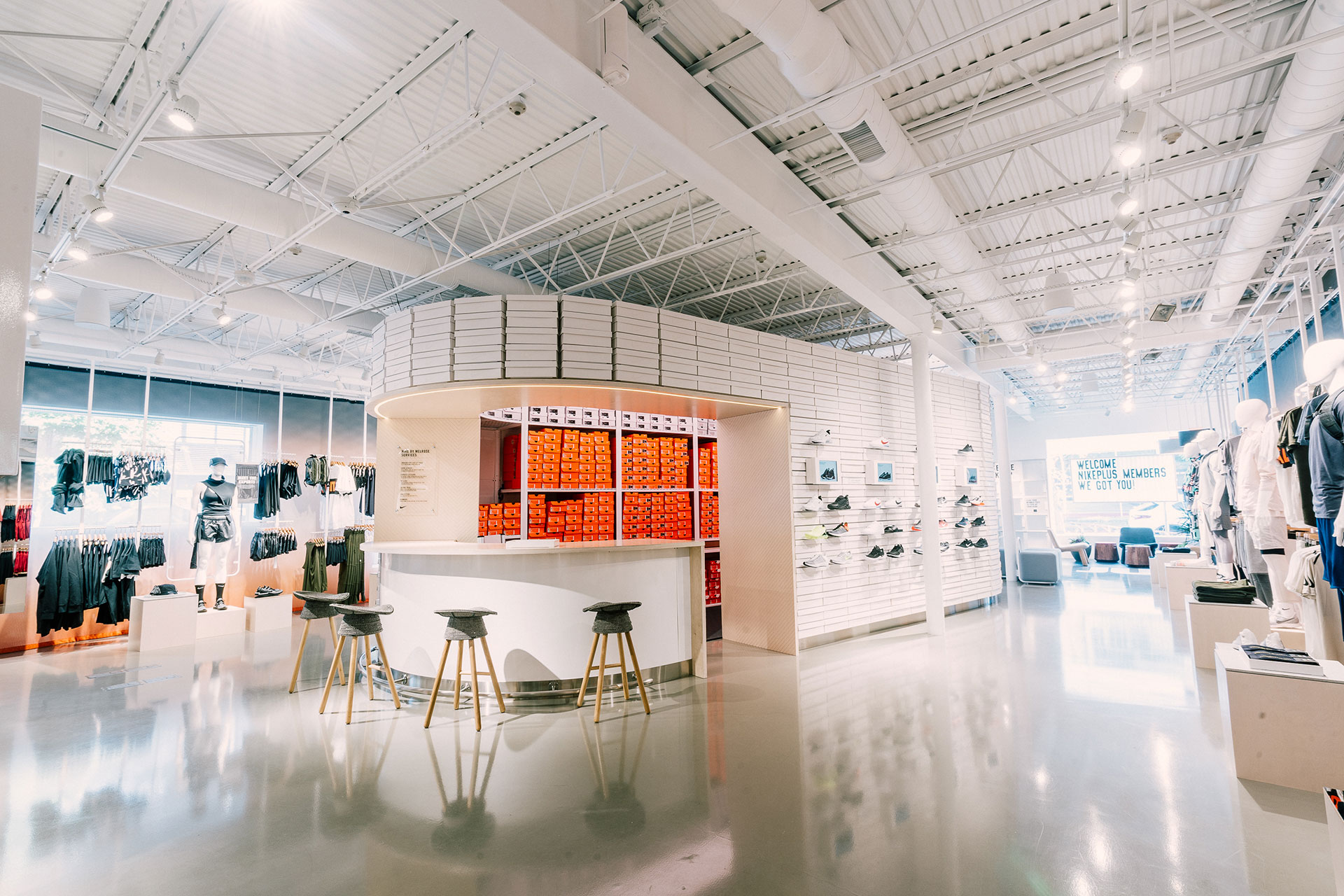 Nike 全新零售概念店背后的深度思考:本地化数据和个性化服务,实现线上线下的最佳协同效应