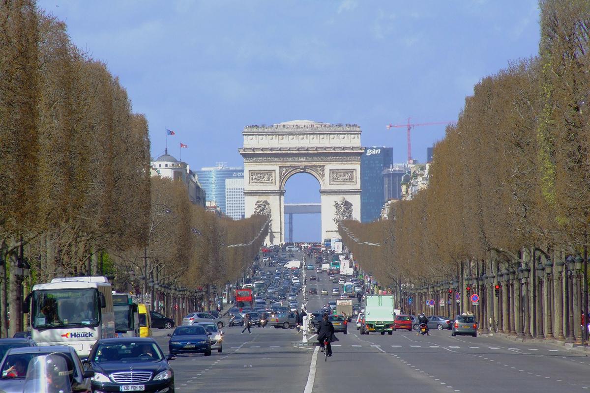 """巴黎三大热门商业区获封""""旅游区"""",终于可以在星期天开门营业了!"""