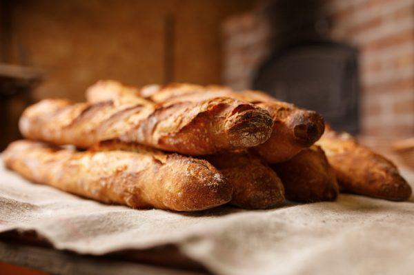 """法棍面包要""""变味""""?法国议会提出通过立法强制减少面包含盐量"""