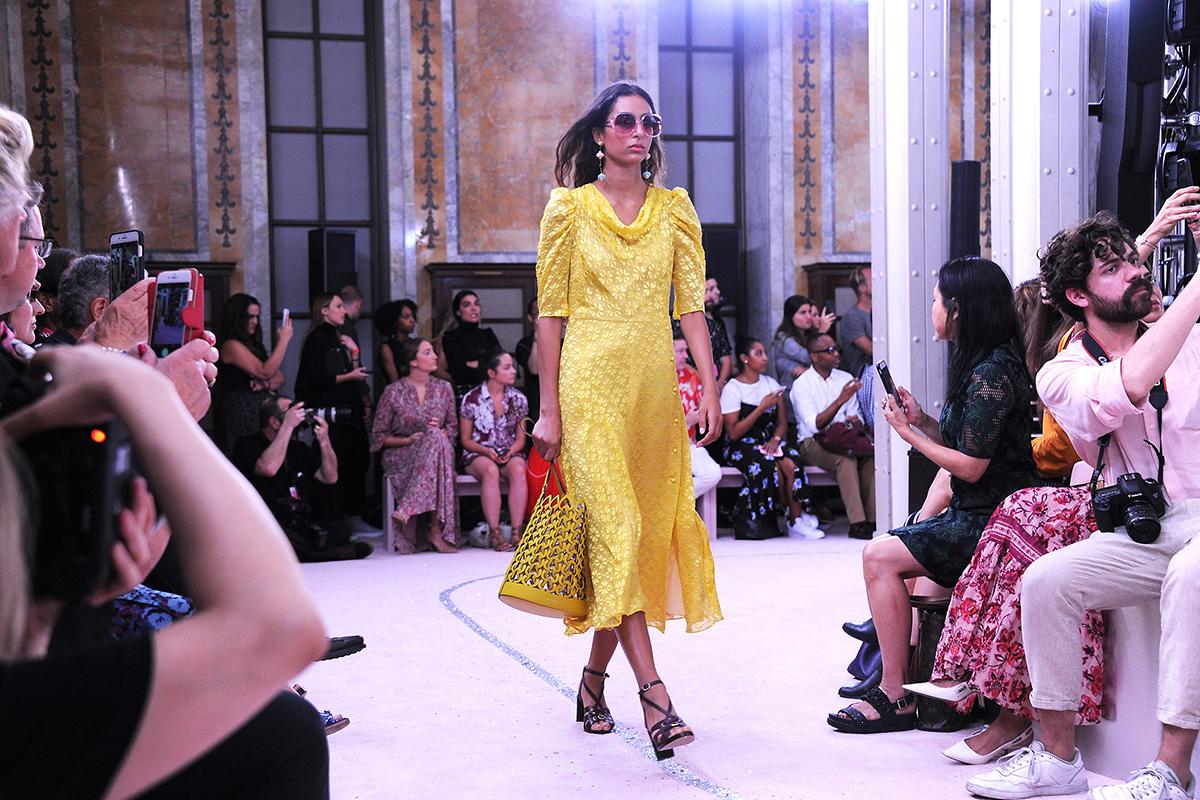 向已故创始人致敬:Kate Spade品牌新任创意总监 Nicola Glass纽约时装周首秀