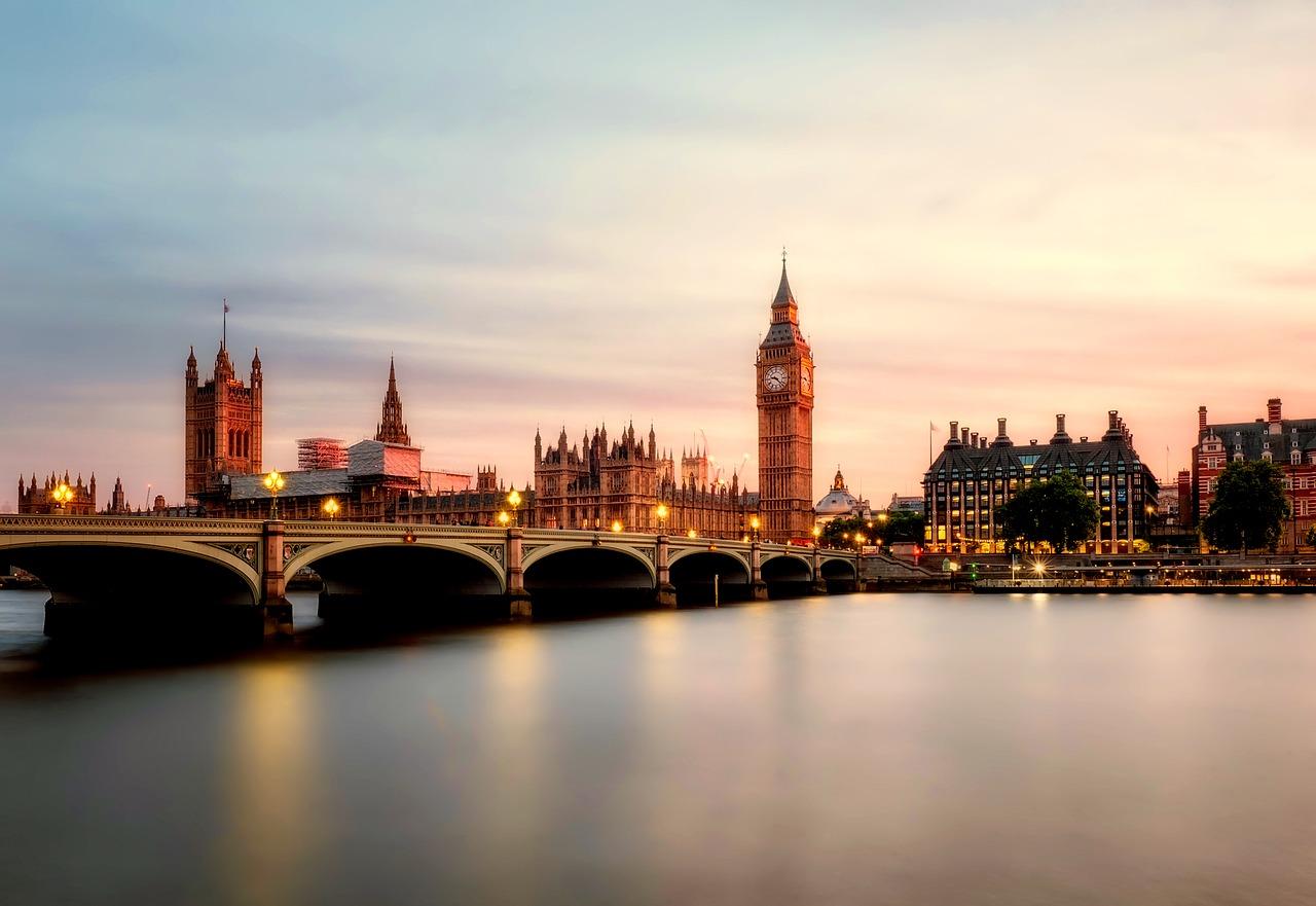 Chanel 在伦敦设立控股公司统管全球业务