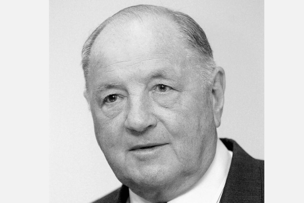 """比利时的""""巴菲特"""",首富 Albert Frère 去世(LVMH集团主席是他的密友)"""