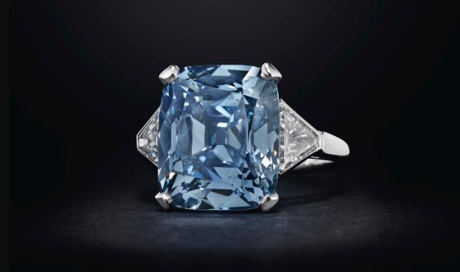 宝格丽蓝色钻戒拍出1831万美元天价,创下该品牌钻石珠宝价格新高