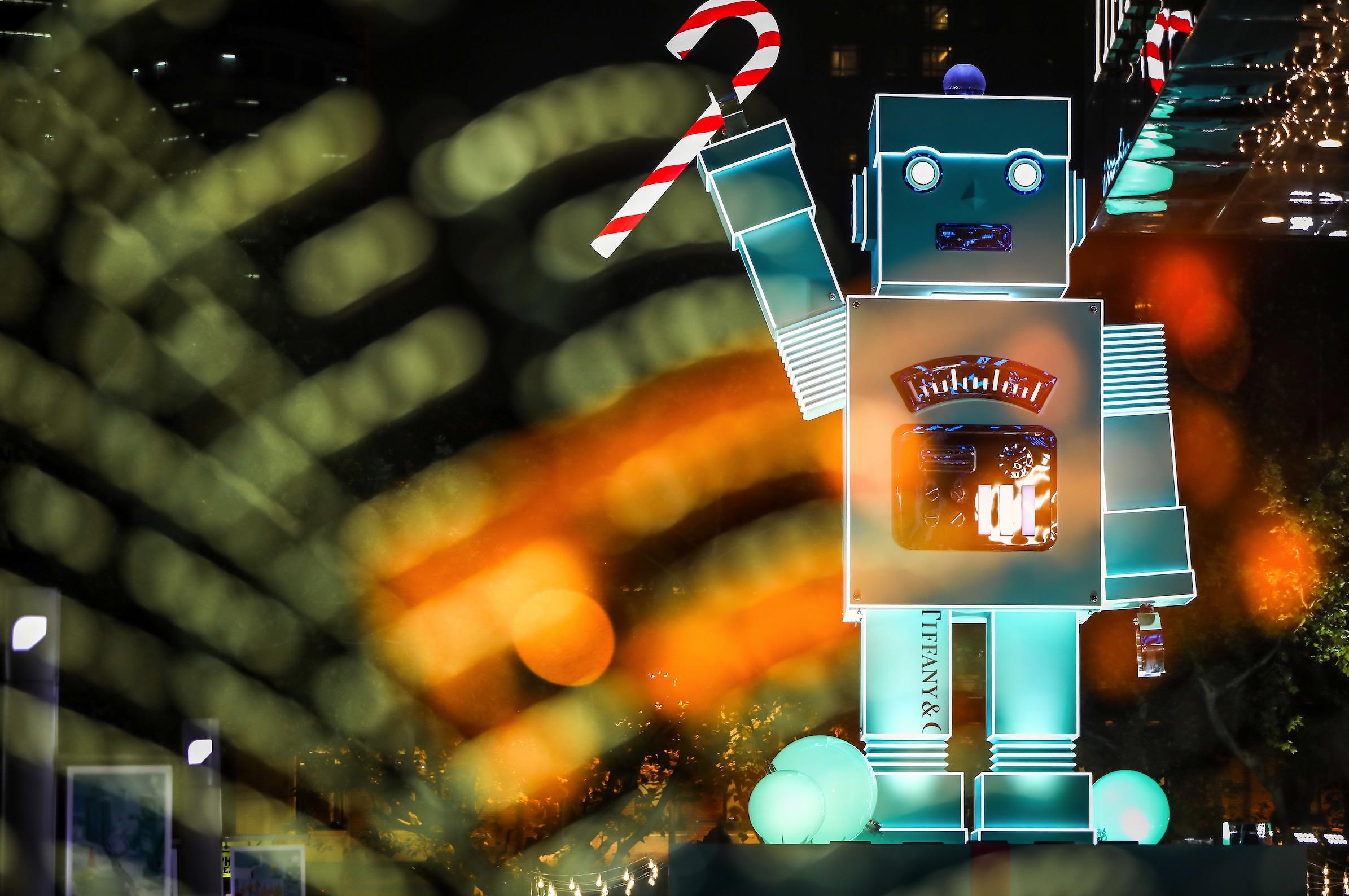 """让品牌创始人变身""""机器人"""",Tiffany 如何为中国年轻消费者打造""""真实的奇幻王国""""?"""
