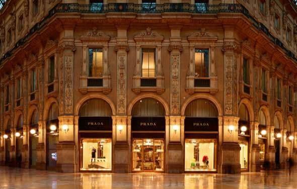 Prada 米兰长廊地标性精品店租约终于续签,年租金220万欧元是原来的四倍!