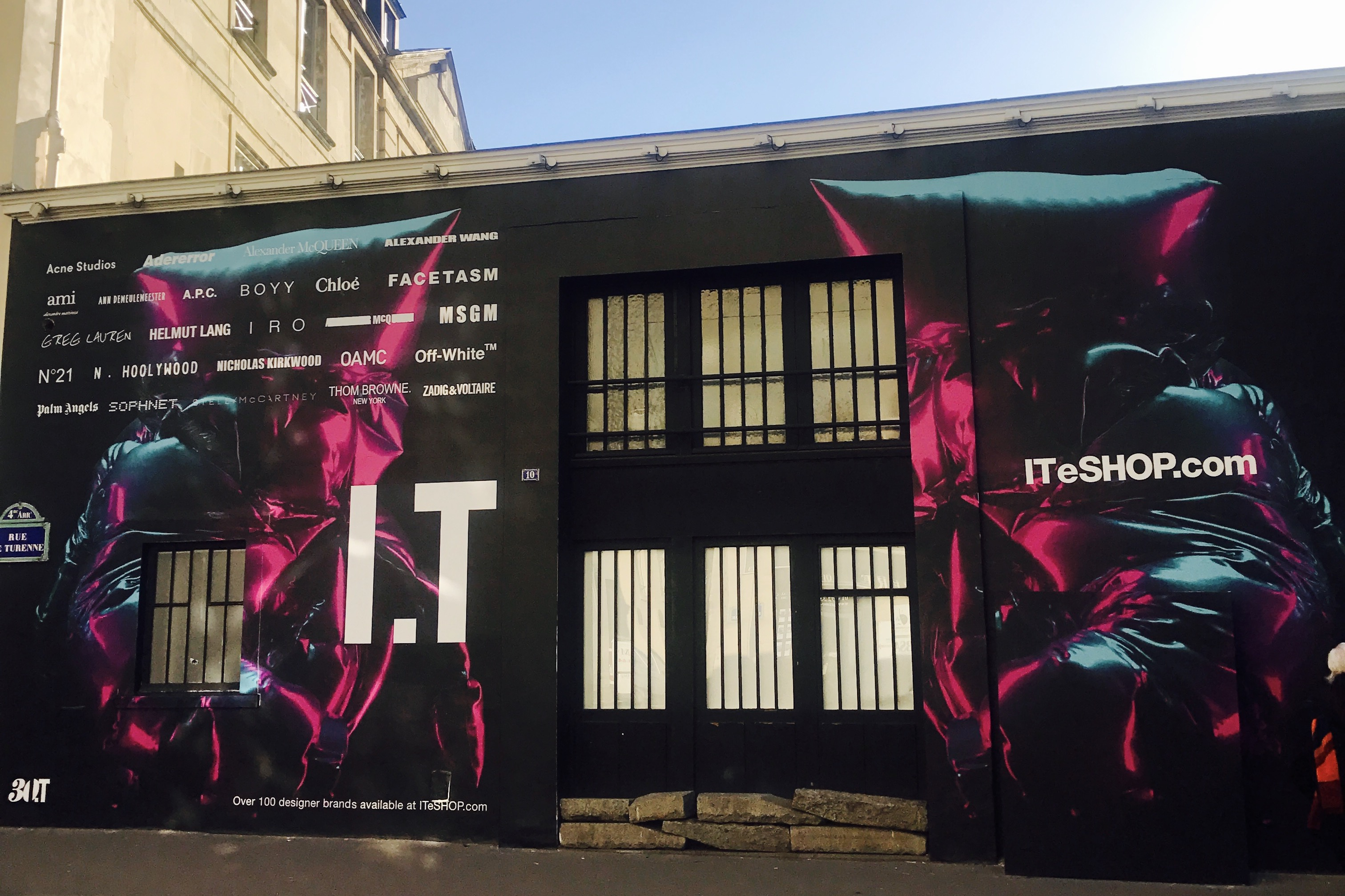 香港时尚零售集团 I.T 30周年快闪展览登上巴黎时装周官方日程,未来将全面数字化改革