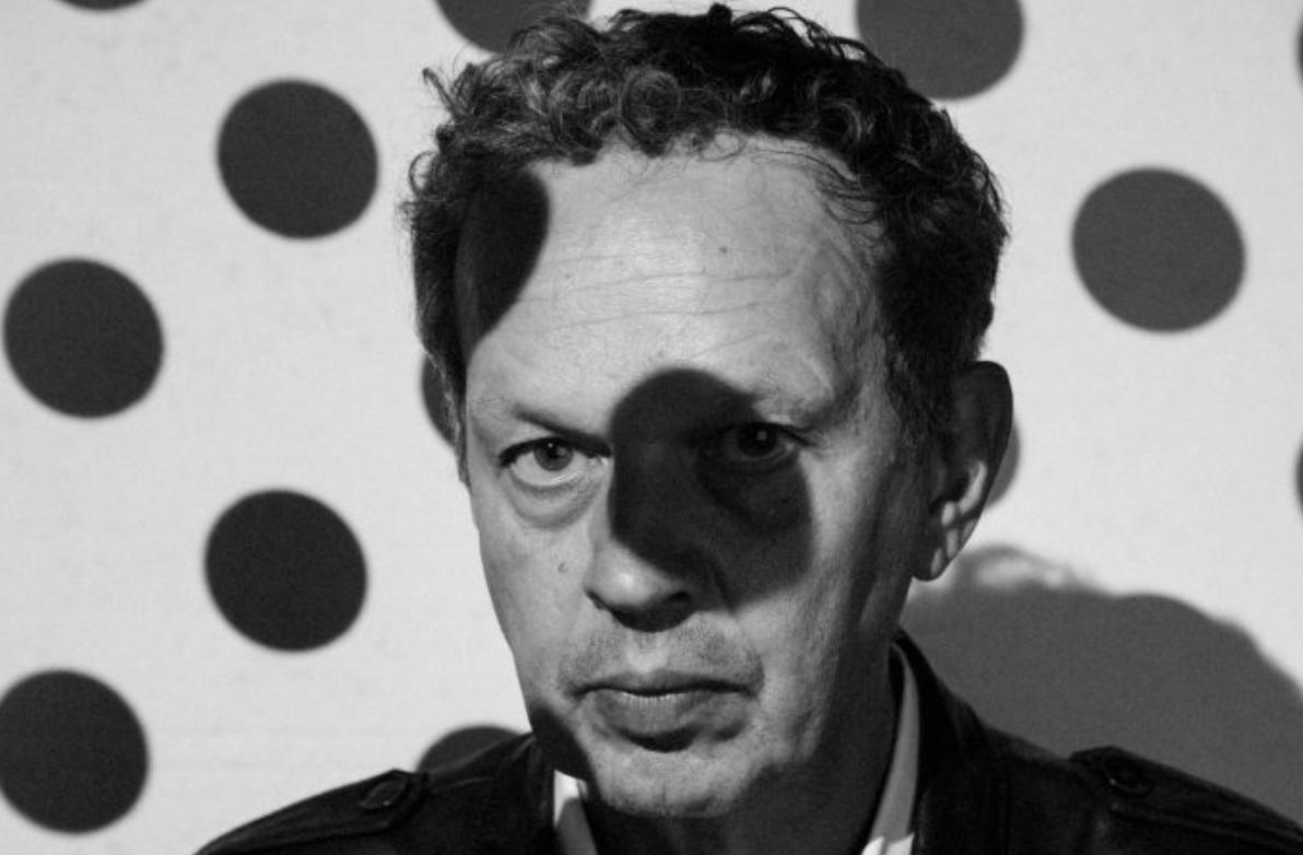 《华丽志》独家专访 Tom Dixon:从摇滚贝斯手、电焊工、到英国家具设计界的灵魂人物