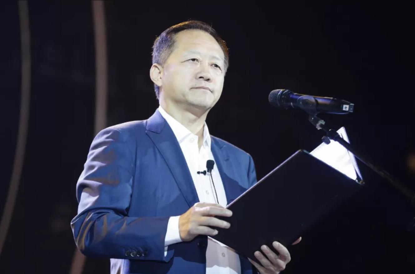时尚集团董事长刘江先生英年早逝,重温他的演讲《给40年的一封信》: 人因为精神的辽阔而自由