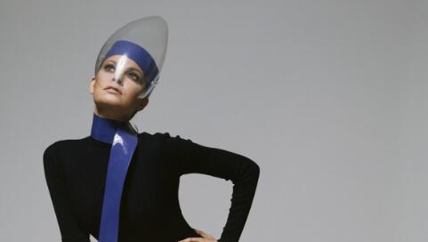 传奇设计师皮尔卡丹回顾展将在布鲁克林博物馆举办:一览其70年设计生涯中的经典之作