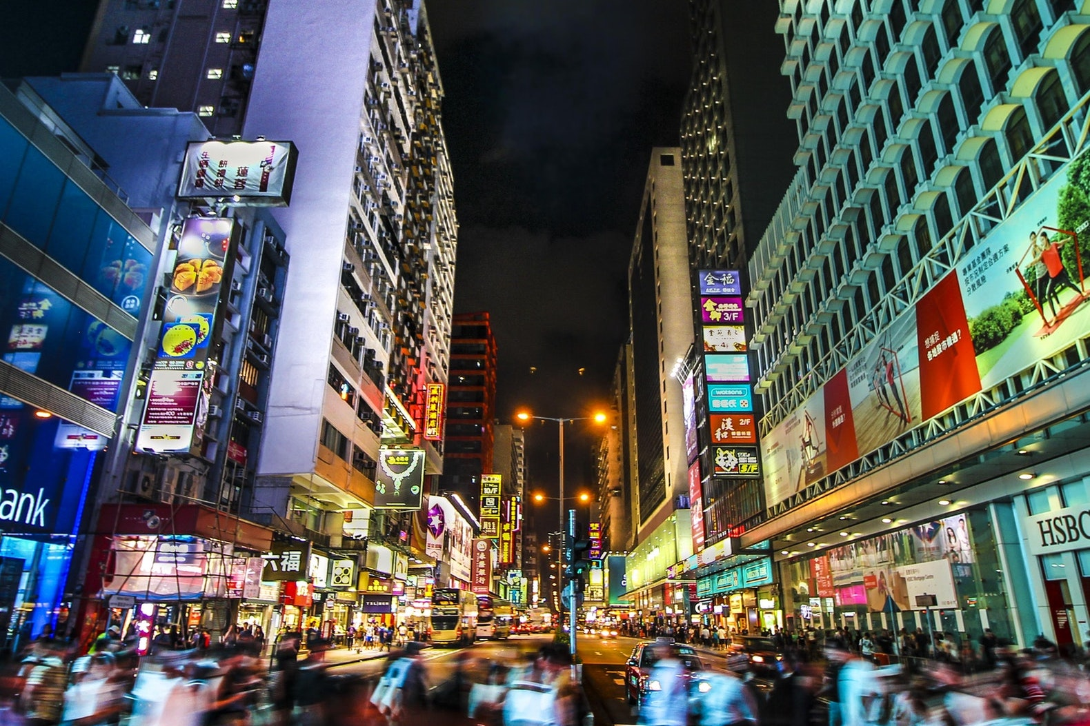 这些海外品牌为什么要把全球首店开在香港?