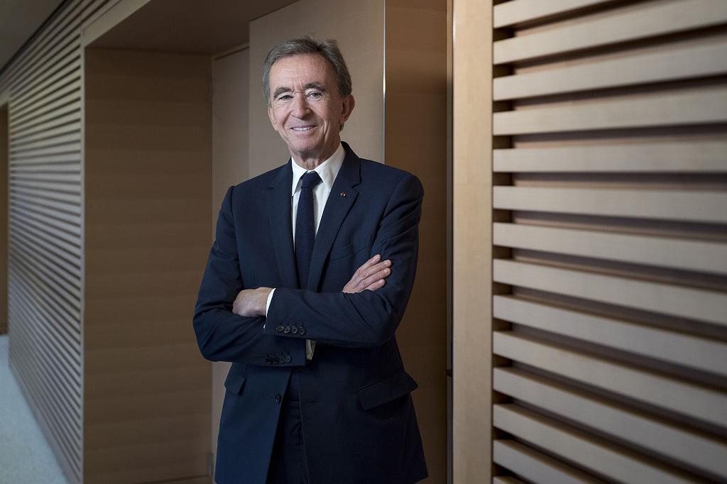 LVMH 集团董事长 Bernard Arnault 成为全球第三位千亿美元级富豪