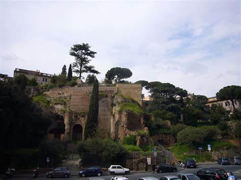 Gucci 出资160万欧元修复罗马古迹 Tarpeian Rock悬崖