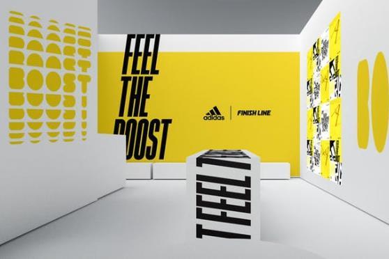 """adidas 在纽约开设快闪互动游乐场,让参观者在""""迷宫""""中亲身体验新款跑鞋的性能"""
