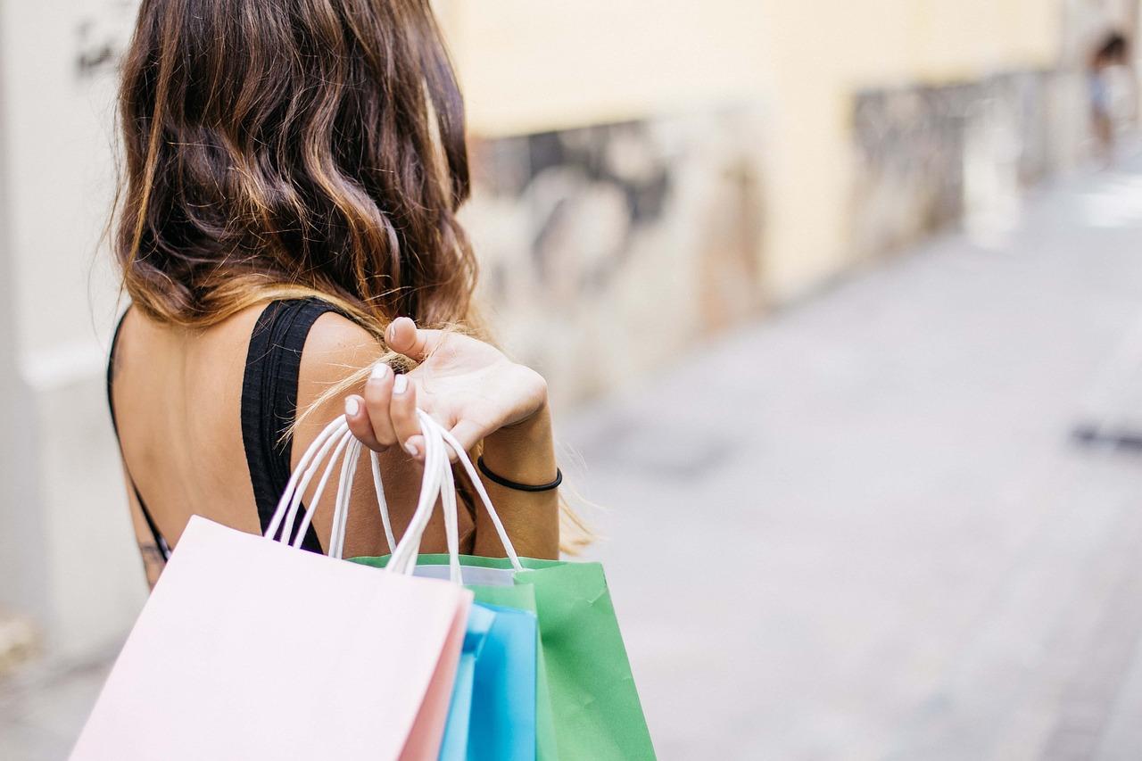 摩根士丹利最新报告:单身女性比例日增,这些品牌将成为最大的受益者