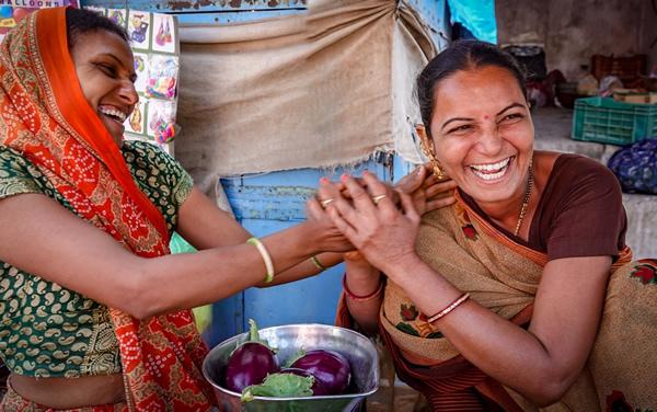 为女性定制的深度旅游走红:体验异域文化,促进当地女性就业