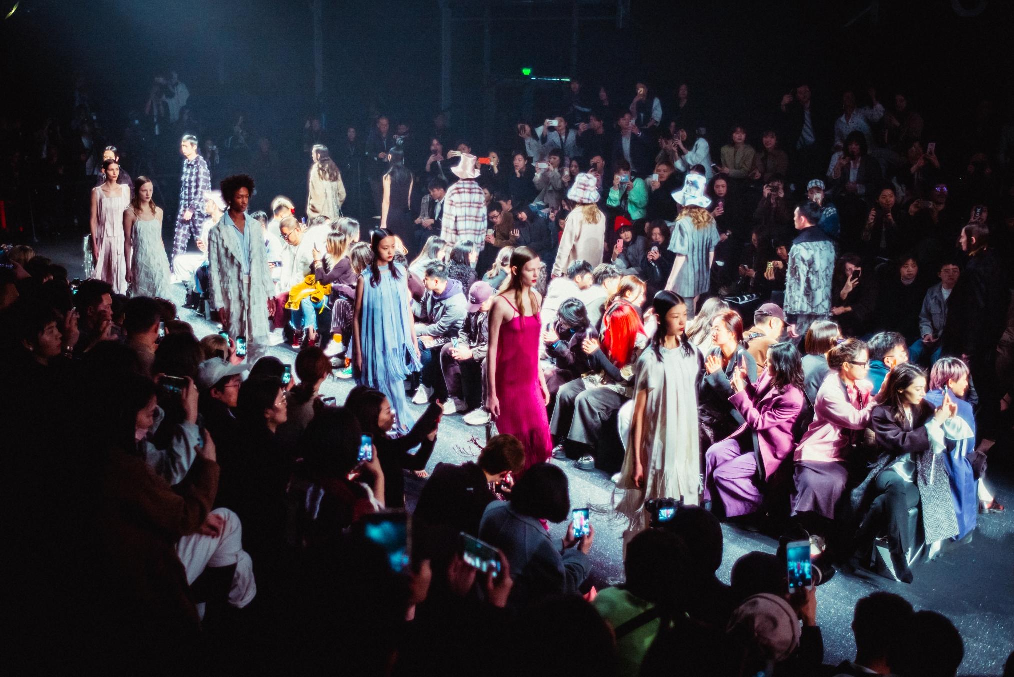 2020春夏上海时装周发布官方日程,《华丽志》继续担当核心媒体合作伙伴