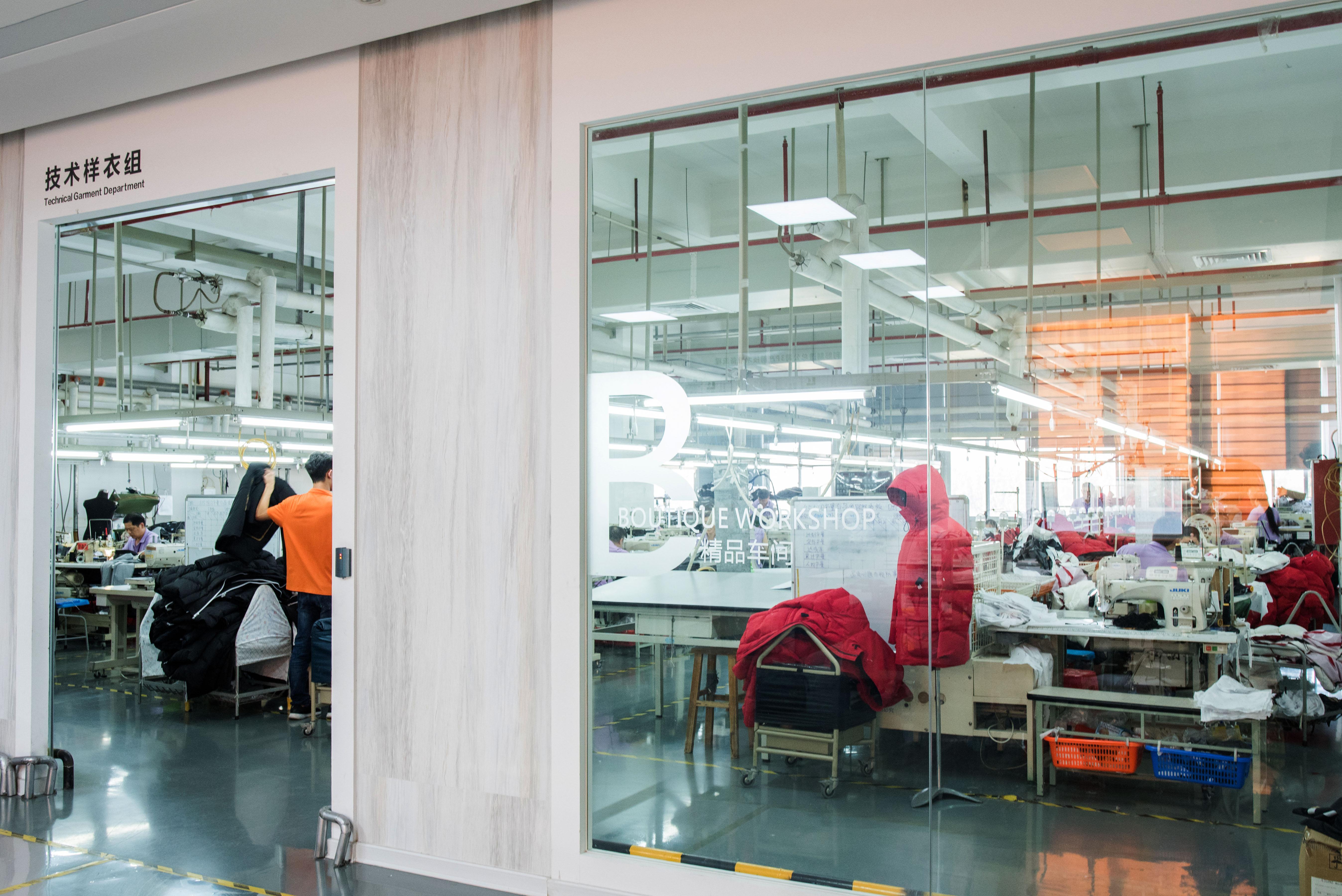 《华丽志》特写:一家中国著名男装品牌敞开了工厂的大门,我们都看到了什么?